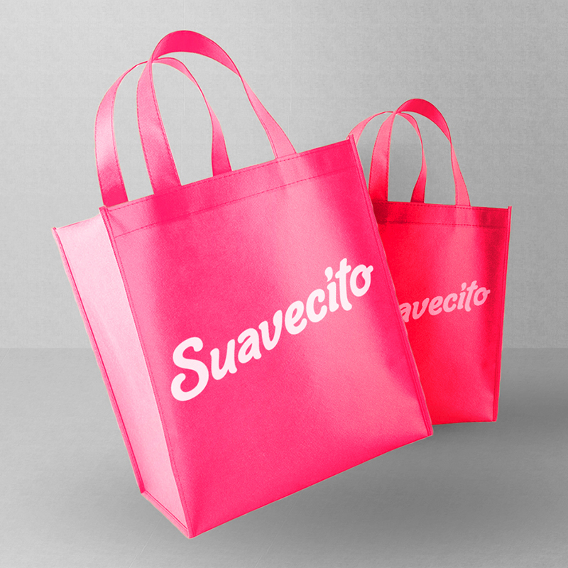 https://www.suavecitosoda.com/wp-content/uploads/2018/03/suavecito__0009_Bag-Mockup.jpg